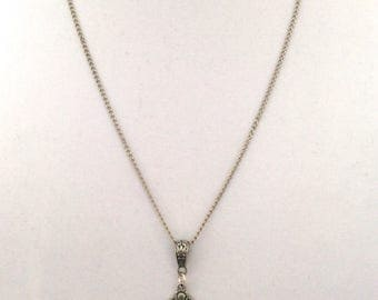 "22"" chain with bail and toggle to hold changeable pendants"