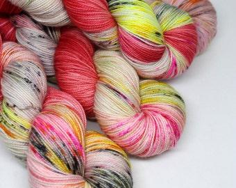 Hand Dyed  Speckled Sock Yarn - SW Sock 80/20 - Superwash Merino Nylon - 400 yards  - Fire on High