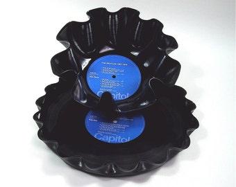 Beatles Vinyl Record Bowl and Tray Set Vintage LP Double Album Rare 1973 (1967-1970  The Blue Album) Blue Capitol Label