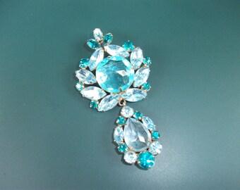 Stunning Vintage Regency Blue Glass Rhinestone Dangle Drop Brooch Pin