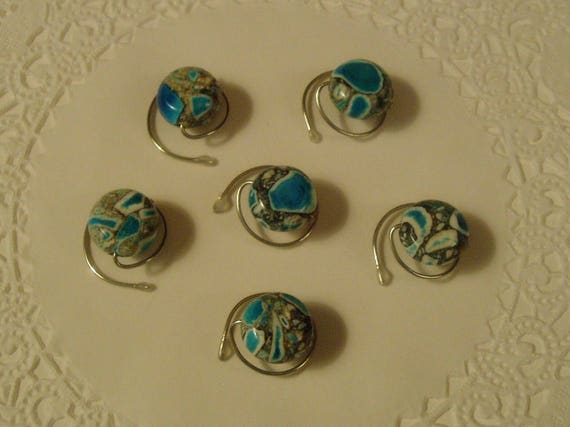 Howlite Turquoise Hair Spins to Match that Aqua Dress Black and White too