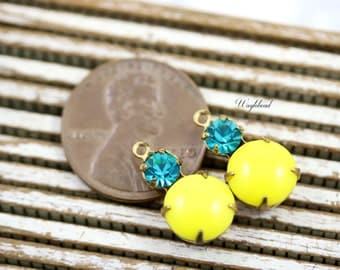 Earring Dangles Vintage Glass Round Stones Brass Prong Settings 15x9mm Yellow & Blue Zircon - 2 .