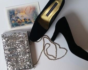 black velvet pumps // holiday heels // size 8 pumps