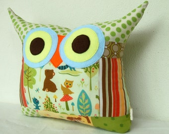Use coupon codes/Christmas sale /for him /Patchwork/Dots/ for him/ Green /blue/polyfil Stuffed little owl pillow/decoration/express shipping