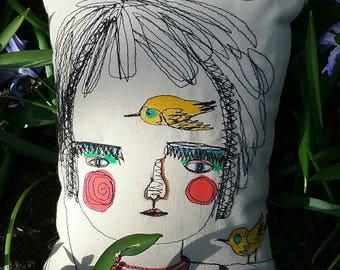Itsy bitsy cushion