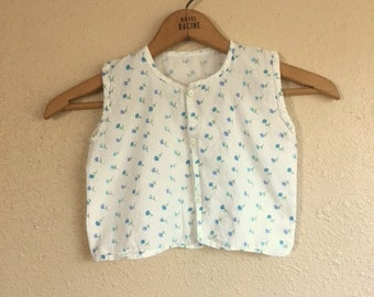 Vintage White And BLUE FLORAL Little Girls Top / Toddlers Sleeveless Summer Shirt / Size 2T 3T