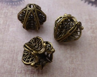 Free Shipping in UK - Pack of 2 Antiqued Brass Art Nouveau Filigree Bead Caps