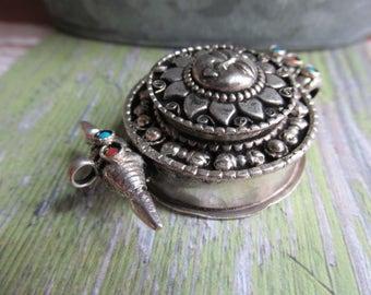 Choose Vessel Style pendant, snuff box, Sun Pendant, Vessel, Vessel Style Pendant, Made in Nepal