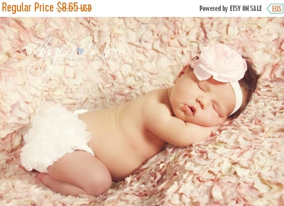 WHITE Ruffle Diaper Cover,Ruffle Bum bloomer. Ruffle Bloomer. Newborn Bloomers. Baby Girl Bloomers. Ruffle Diaper Cover,newborn diaper
