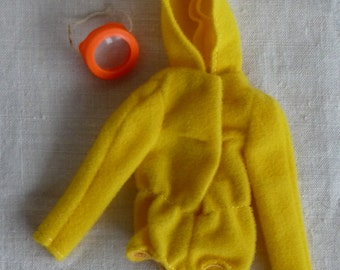 "Barbie vintage mod ""Scuba Dos"" #1788 yellow Hoodie and mask"