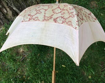 SALE Antique 1900's Victorian Creme Ladies Parasol Umbrella Wooden Handle Display Piece
