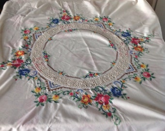 Vintage embroidered round tablecloth, stunning tablecloth , crochet insert vintage tablecloth