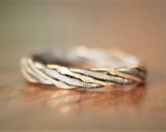 Hammered Guitar String Ring, Two Strings Twisted Together, Guitar String Jewelry, Guitar Gifts, Gift for Guitarist, Hammered Ring, Twisted