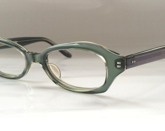 90s Vintage Womens Green Retro Cateye Frame Eyeglasses