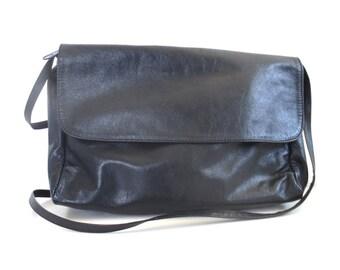Vintage Navy Blue Leather Purse