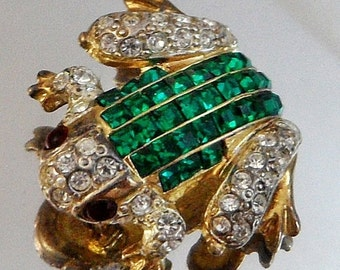 CHRISTMAS SALE Vintage Invisibly Set Rhinestone Frog Brooch.  Emerald and Ruby Rhinestones and Diamond Frog Pin.  Gold Plated.