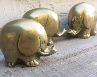 Midcentury Modern brass elephant family, vintage elephant statues, brass home decor, 3 elephants, elephant lover gift, retro brass animals