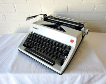 Cursive / Script Vintage Olympia SM-8 Manual Typewriter - William - Professionally Serviced