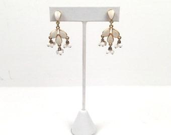 Vintage 1960s Ivory and Gold Teardrop Dangling Earrings