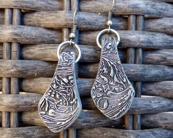 Oxidized silver acanthus earrings