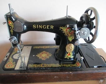 Vintage SINGER SEWING MACHINE Model 28 with Brentwood Case and Key, 1910