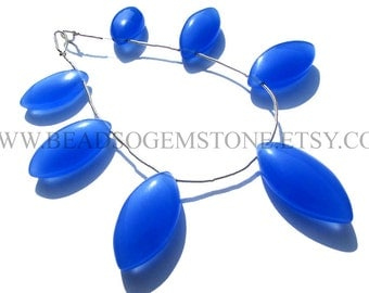 Blue Chalcedony Smooth Marquise (Quality AAA) / 13.5x24 to 15.5x30 mm / 18 cm / CHALCE-010