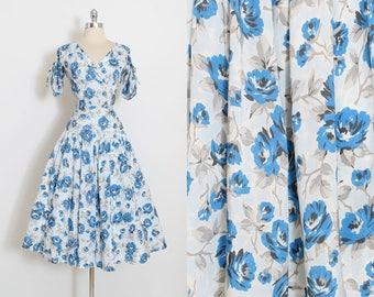 Vintage 50s Dress | 1950s blue rose print dress | full skirt  | medium | 5936