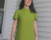 60s Mod Green Print Dress Light Short Sleeve Vintage S