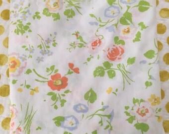 Vitnage floral full flat sheet