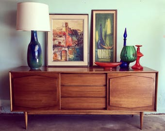 MID CENTURY MODERN 5 Drawer Dresser or Credenza (Los Angeles)