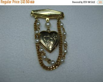 SALE 50% OFF Vintage Goldtone Brooch with locket and pearls Dangle
