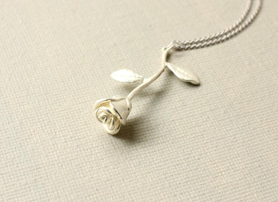Pendentif Rose Fleur Idee D Image De Fleur