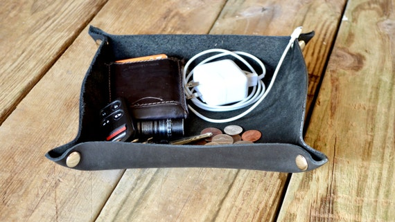 "Handcrafted Leather Valet Tray - 6""x8"" Black"