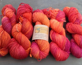 BEE'S KNEES - Ramie/wool sock yarn Hand dyed