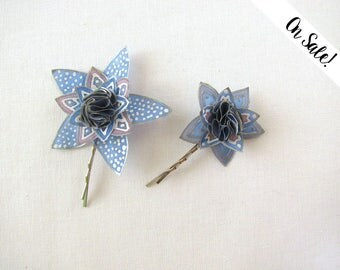 Two blue stars silk bobby pins - blue grey little stars - hair pins - hand painted silk -  ***Item on sale*** Previous price : 17.25 EUR
