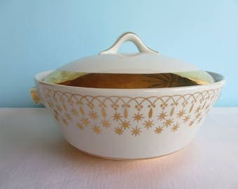 Vintage Hall China Flare-Ware Gold Casserole Dish with Lid - Ceramic Bakeware - Serving Dish - Atomic Era Starburst Design