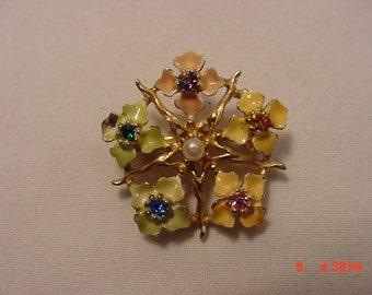 Vintage Rhinestone & Faux Pearl Enameled Flower Brooch   16 - 768