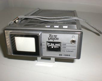 Transistor radio, Made in Japan, AM FM radio with TV, Tote Vision, 1960s
