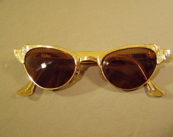 Vintage 1960s Ladies Yellow Gold Filled Sun Glasses 8810