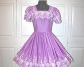 50% OFF SALE 1950s 60s Square Dance Dress . Vintage 50s 60s Lavender Purple Embroidered Full Circle Skirt Fitted Waist Dress . Sz Small- 4