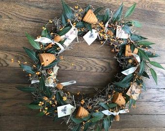 Bee wreath, bee hive wreath, honey bee ribbon, bumblebee spring wreath