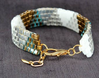 Bridal Bracelet with Triangle Pattern