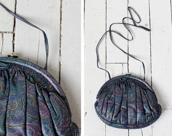 Sharif Paisley Bag • Vintage Crossbody Bag • Sharif Handbag • Clamshell Vintage Bag • Leather Crossbody Bag • Green Leather Purse | B641