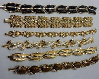 6 Vintage TRIFARI Gold Tone Link Bracelet Lot    OY46