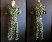 1930s green print dress 30s day dress 1930s day dress deadstock feedsack dress art deco dress
