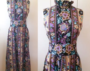 70s maxi dress, psychedelic print with ruffled collar S M
