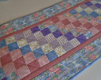 Floral Quilted Table Runner in Pastels, Spring Quilted Table Topper, Patchwork Quilted Dresser Scarf, Table Centerpiece, Mother's Day Gift