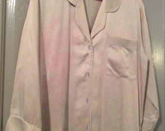 Silk shirt/PJ top tailored Nordstroms lingerie label sz small will fit med/Long slv/Tie-dye has faded