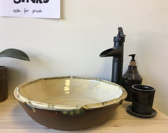 Scallop Edge Vessel Sink