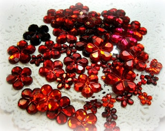 50 Flat Back Red Flower Rhinestones Acrylic Gems for Scrapbooking Cards Mini Albums and Papercrafts Jewelry DIY